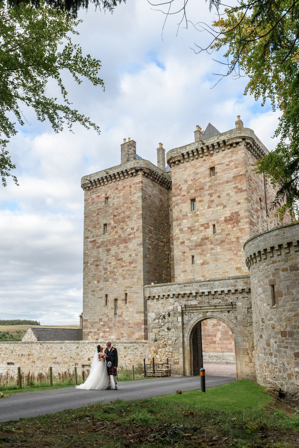 Borthwick_Castle_Wedding_elaine_john434.jpg