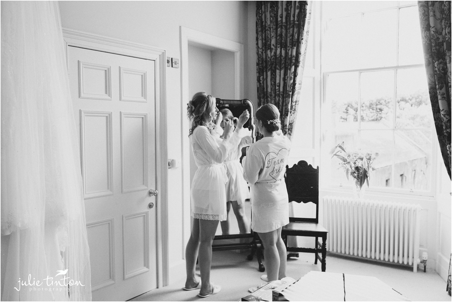 bridesmaids getting ready for a wedding at Broxmouth Park