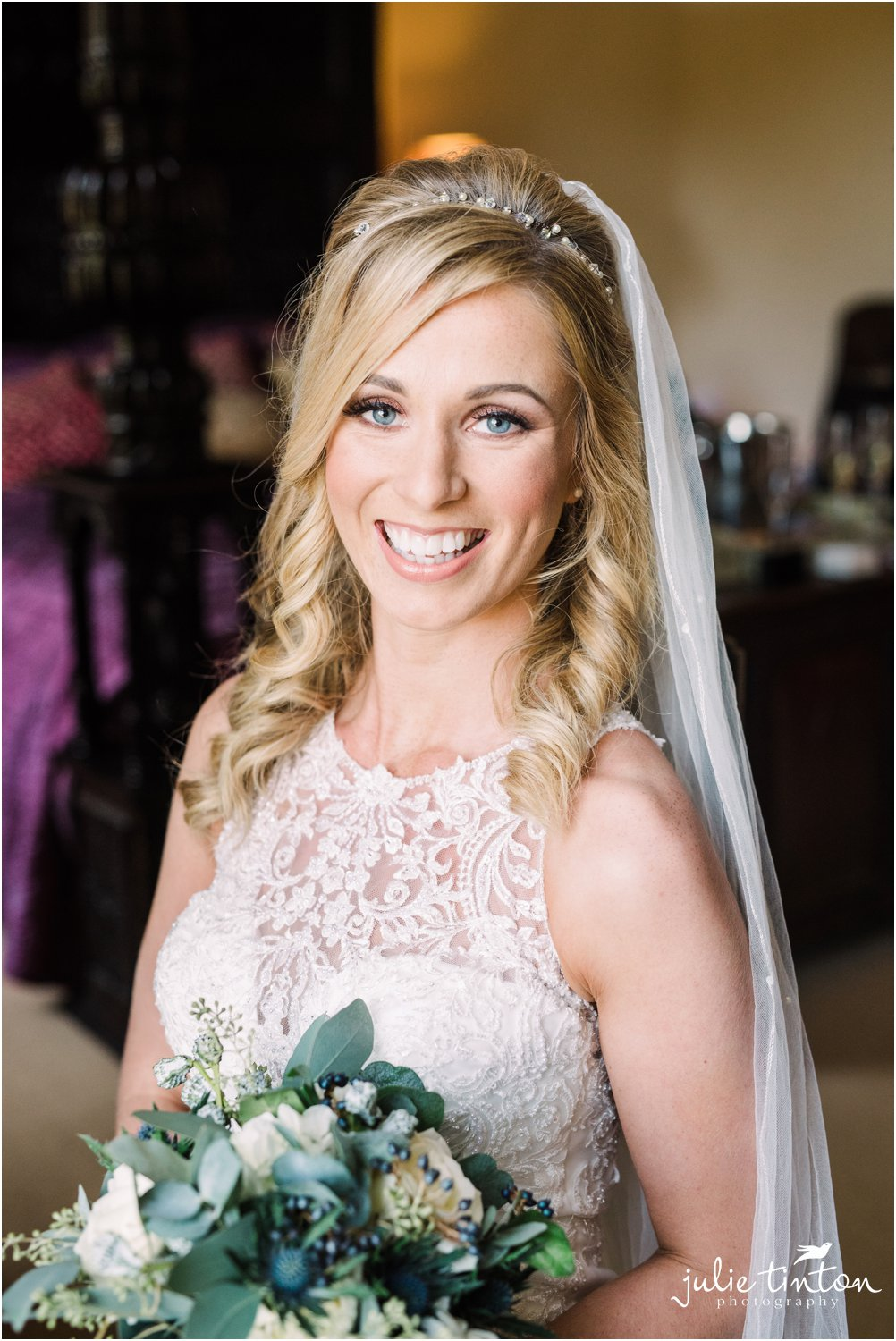 Bridal portrait at Broxmouth House