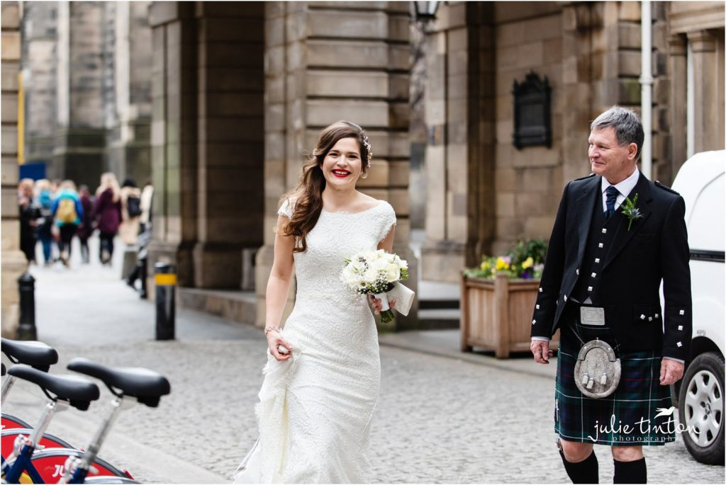 Bride arriving at City Chambers Edinburgh