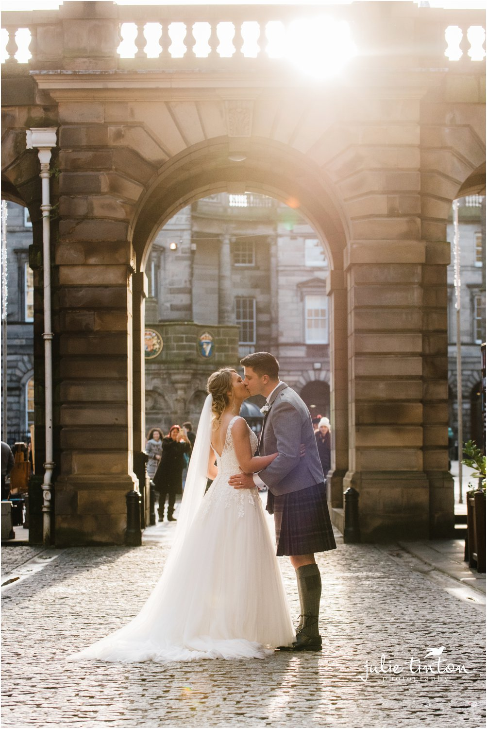 City Chambers Edinburgh Wedding kiss