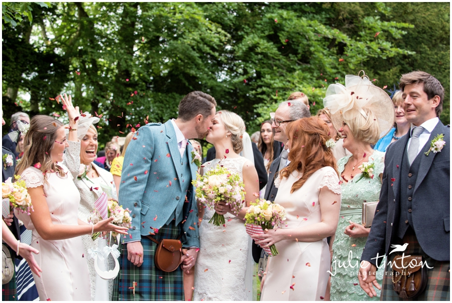 Glenclorse House Wedding Confetti